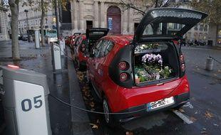 Une centaine de ces Utilib' rouges doivent être mises en circulation d'ici au printemps 2015 à Paris.