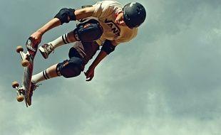 La Shifty School tire son nom d'une figure de skate qui opère un changement  de trajectoire mais permet de retomber sur ses roues.