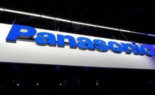 Le géant japonais de l'électronique Panasonic a fait état vendredi d'une perte nette de 333,82 milliards de yens (3,3 milliards d'euros) au terme des neuf premiers mois de l'exercice 2011-2012, son chiffre d'affaires ayant chuté de 10% sur un an et son bénéfice net ayant fondu de 85%.