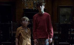 Julian Hillard et Paxton Singleton dans «The Haunting of Hill House».