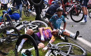La première étape du Tour de France entre Brest et Landerneau a fait de la casse dans le peloton.