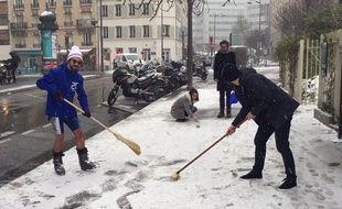 «20 Minutes» a lancé les JO d'hiver de Paris. Epreuve n°2: le curling.