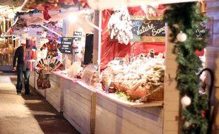 Illustration d'un stand de saucissons, ici au marché de Noël du Parlement, à Rennes.