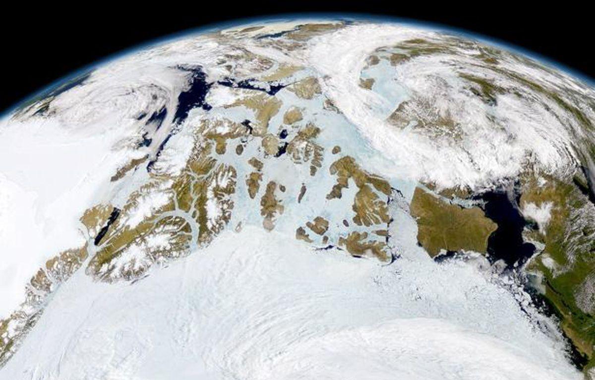 L'Arctique photographié par un satellite de la Nasa. – SeaWiFS Project/NASA/GSFC/ORBIMAGE/N.A.S.A./SIPA