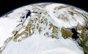 L'Arctique photographié par un satellite de la Nasa.