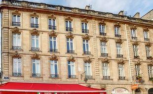 L'immeuble de la place du Parlement à Bordeaux, légué à la petite ville de Cavignac.