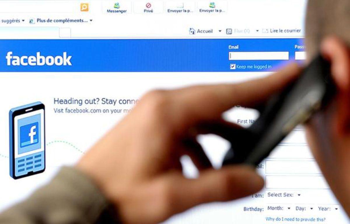 Les sites de recrutement intégrés aux pages Facebook des entreprises se développent grâve à de nouvelles applications. – SIERAKOWSKI FREDERIC/ISOPIX/SIPA