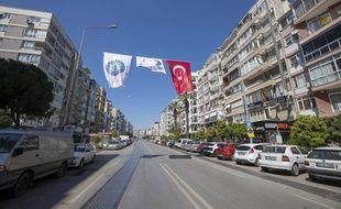 Les rues désertes d'Izmir pendant le couvre-feu le 20 avril 2020.