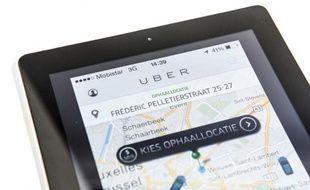 Une application Uber sur un téléphone