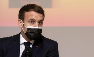 Emmanuel Macron à Tours le 5 janvier 2021.