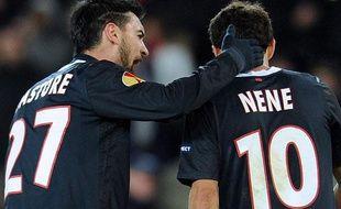 Javier Pastore et Nenê, les deux joueurs du PSG, le 14 décembre 2011, au Parc des Princes, contre Bilbao.