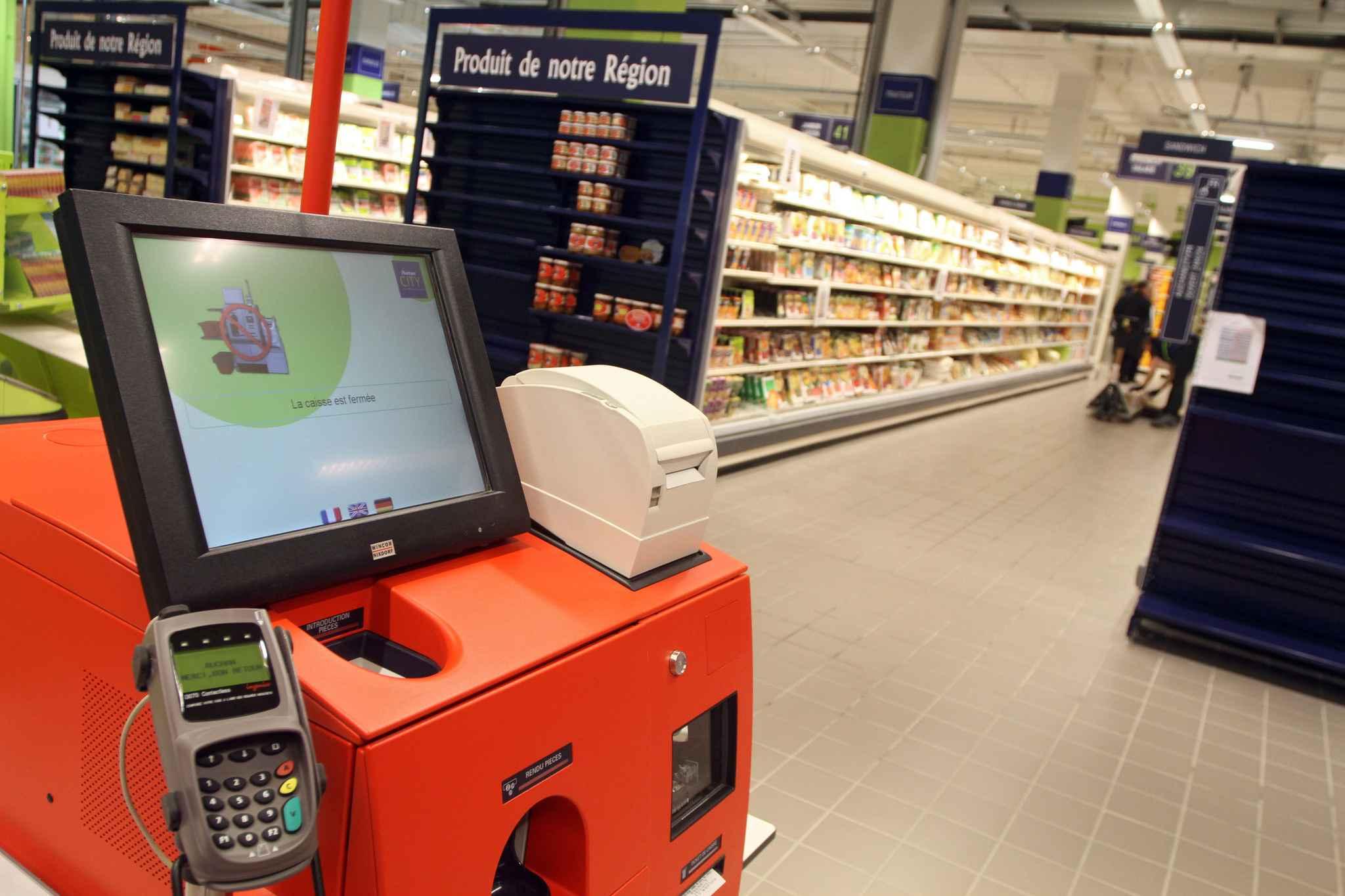 Une caissière accuse Auchan d'être responsable de sa fausse couche — Tourcoing