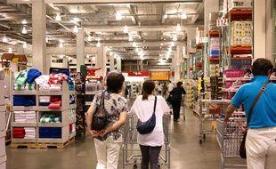 bf04a7f975fad5 L enseigne de grande distribution américaine Costco a ouvert ce jeudi matin  son premier magasin