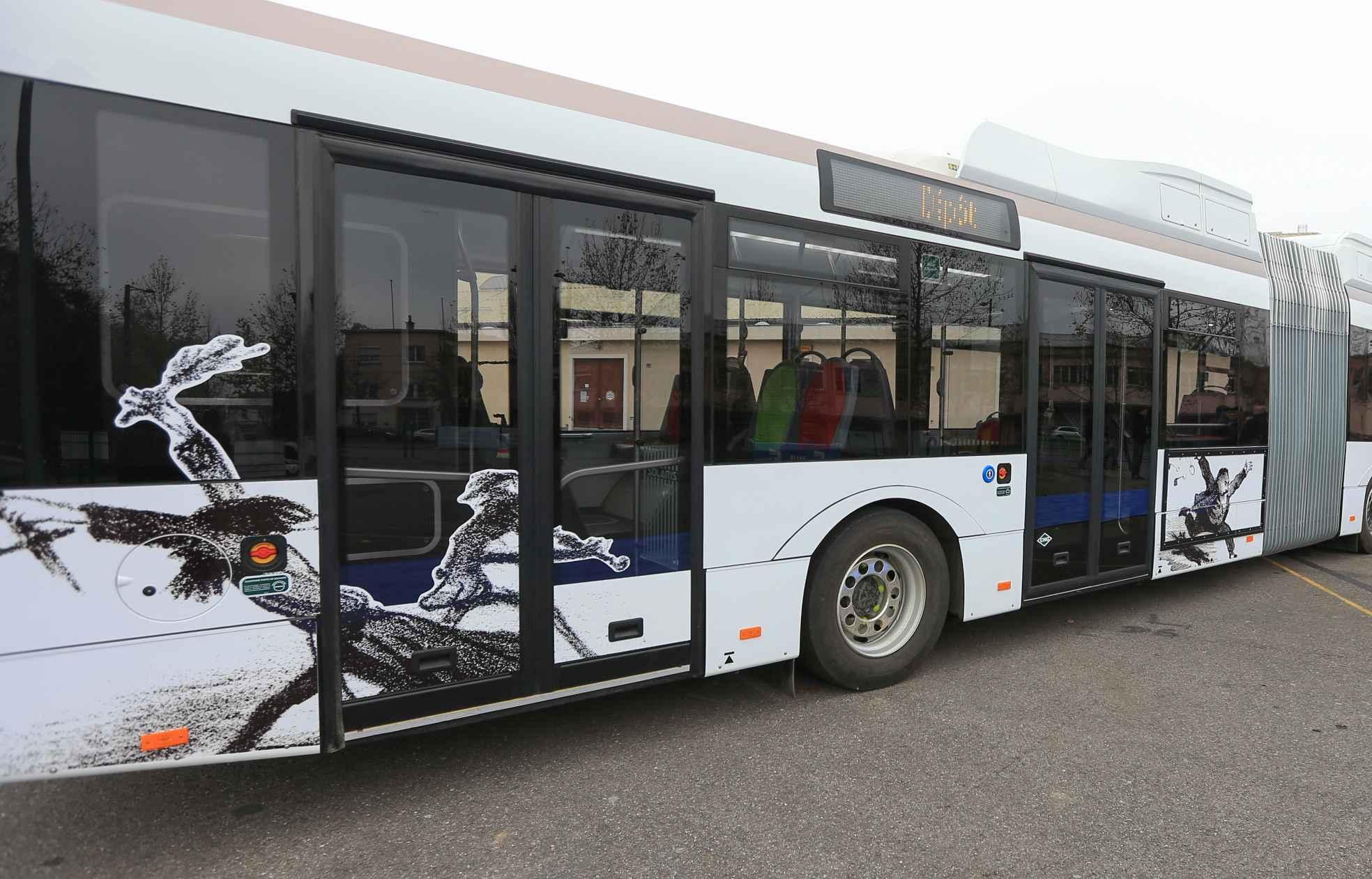 comment strasbourg veut faire de ses bus son nouveau tram. Black Bedroom Furniture Sets. Home Design Ideas