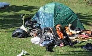 Des Syriens se sont installés dans des tentes dans le centre de Montevideo, le 8 septembre 2015 pour réclamer leur départ d'Uruguay