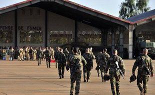 Des soldats français du second RIMA sur la base militaire 101 à Bamako, au Mali, le 14 janvier 2013.