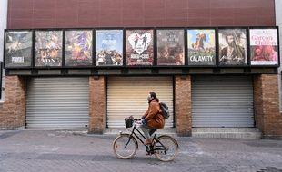 Un cinéma fermé à Montpellier à cause de la crise sanitaire liée au coronavirus, 16 novembre 2020.