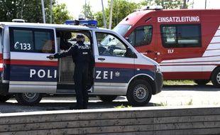 Des policiers autrichiens près du lac de Neusiedl, le 20 avril 2018. (Illustration)