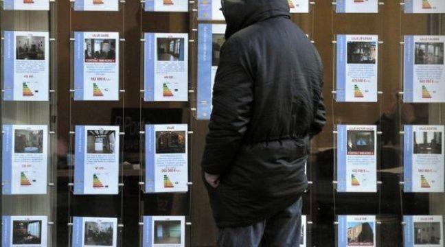Traditionnellement le marché des transactions immobilières dans l'ancien (800.000 en 2011) se partage entre les ventes entre agences immobilières (50%), notaires (10%) et particuliers (40%). – Philippe Huguen afp.com