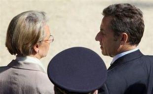 """Confronté au mécontentement suscité par le fichier Edvige, y compris dans sa majorité et jusqu'au gouvernement, Nicolas Sarkozy tente de """"désamorcer"""" une polémique qui pourrait perturber son rebond dans les sondages."""