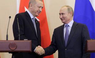 Les présidents turc Recep Tayyip Erdogan et russe Vladimir Poutine à Sotchi, le 22 octobre 2019.