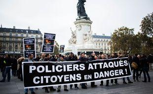Une manifestation de policiers après l'attaque aux cocktails Molotov contre des forces de l'ordre à Viry-Châtillon (Essonne). (Illustration)