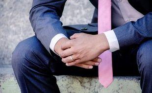 Un futur marié,  le jour de son mariage (illustration).