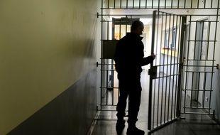 Illustration d'un surveillant de prison, ici au sein de l'établissement pénitentiaire de Brest, dans le Finistère.