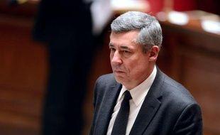"""Le député UMP Henri Guaino, qui se rendra dimanche à la """"Manif pour tous"""", a affirmé que ceux qui se laisseraient """"impressionner"""" par les appels à ne pas défiler, donneront """"un chèque en blanc"""" au gouvernement pour aller """"'plus loin""""."""