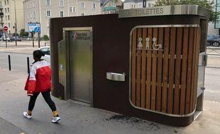 Des toilettes publiques à Nantes.