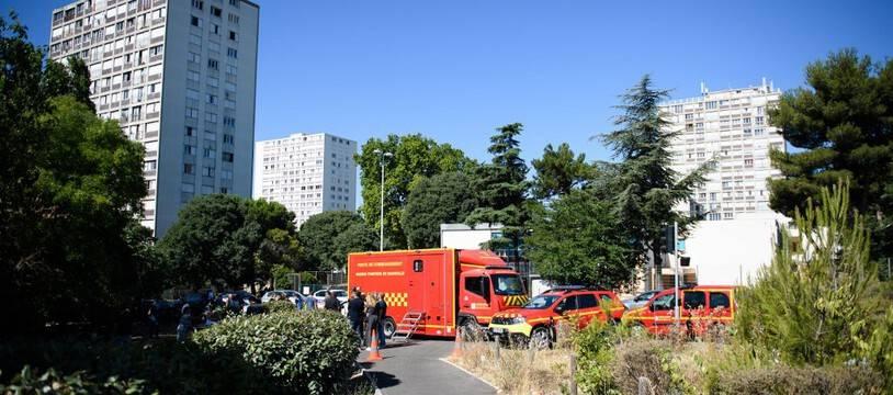 Les Marins-Pompiers de Marseille sont intervenus sur l'incendie de l'immeuble «Les Flamants», à Marseille, où trois personnes ont péri, le 17 juillet 2021.