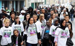 Environ 150 personnes ont participé mercredi à Meaux à une marche blanche en mémoire d'Amine Bentounsi, un multirécidiviste recherché et tué le 21 avril en Seine-Saint-Denis d'une balle dans le dos par un policier depuis mis en examen pour homicide volontaire