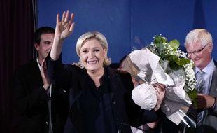 La présidente du FN Marine Le Pen, élue du Pas-de-Calais à l'issue du second tour des élections législatives, le 18 juin 2017 à Hénin-Beaumont.