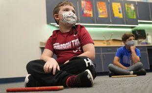 Illustration d'un enfant avec un masque.