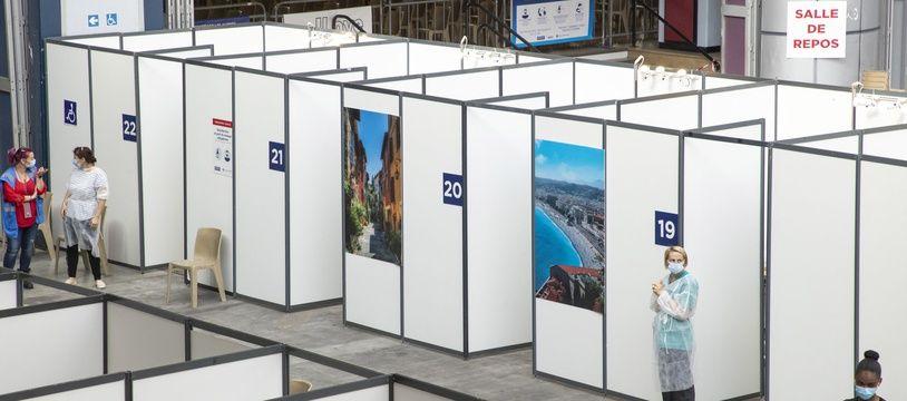 Un centre de vaccination à Nice, le 14 mai 2021.