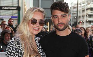 Tom Parker et sa compagne Kelsey Hardwick, à Londres, en septembre 2019.