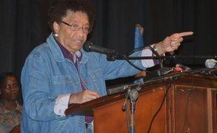 La présidente Ellen Johnson Sirleaf avait ordonné à ses ministres se trouvant hors du pays de rentrer au Liberia dans le cadre de l'état d'urgence décrété le 6 août