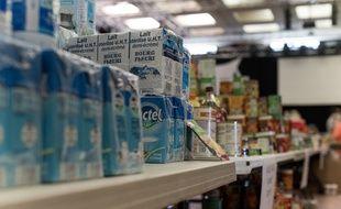 Illustration d'une collecte de produits alimentaires lors de la crise sanitaire du coronavirus.