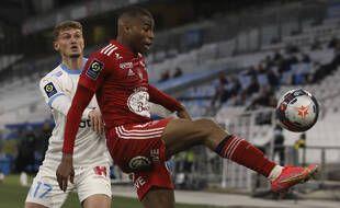 Le milieu de terrain du Stade Brestois Jean Lucas a été victime d'un accident de la route à Brest, le 12 mai 2021.