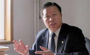 """La Chine a remis en prison pour trois ans l'avocat Gao Zhisheng, l'un de ses dissidents les plus connus, car il a """"violé les règles de sa mise en liberté conditionnelle"""", a annoncé vendredi l'agence Chine nouvelle."""
