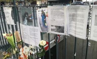 Des fleurs, des messages et des bougies ont été laissées à Rennes, en hommage à Cyril, un SDF retrouvé mort lundi 7 octobre 2019.