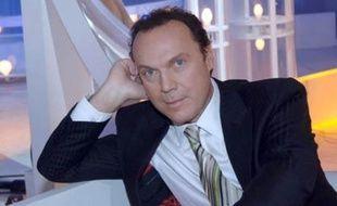 Julien Lepers sur le plateau de son émission Questions pour un Champion.