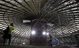 EDF a confirmé jeudi que le réacteur de 3e génération EPR en construction à Flamanville (Manche) entrerait en service en 2016 et assuré que le budget serait désormais tenu, après l'annonce en décembre d'un surcoût de 2 milliards d'euros, portant la facture à 8,5 milliards.