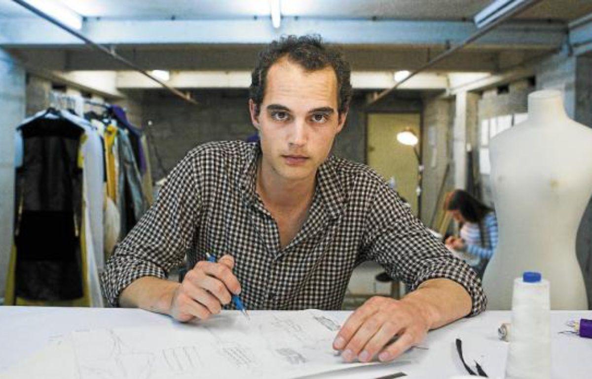 Le créateur Romain Villiers-Moriamé, dans son atelier, mardi. –  V. WARTNER / 20 MINUTES
