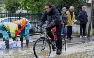 L'heure est au nettoyage lundi en Côte-d'Or après les fortes inondations du week-end, tandis que des crues touchent toujours les départements de l'Yonne et la Haute-Marne, mais aussi une partie de l'Aube.
