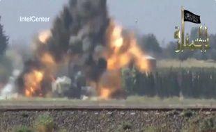 Les rebelles syriens ont affirmé avoir abattu jeudi un hélicoptère des forces du régime qui s'est écrasé jeudi sur la banlieue de Damas, dont les quartiers sud sont sinistrés après des semaines de combats.