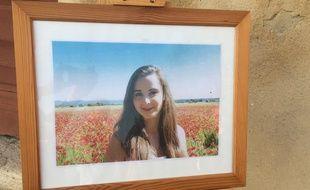 Une photo de la jeune Mauranne a été exposée devant la mairie.