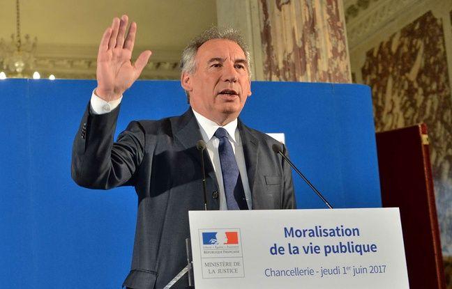 Mandats successifs, emplois familiaux, réserve parlementaire… Comment Bayrou veut moraliser la vie politique dans actualitas dimanche 648x415_francois-bayrou-garde-sceaux-veut-mettre-hola-certains-derives-nuisent-confiance-citoyens-elus