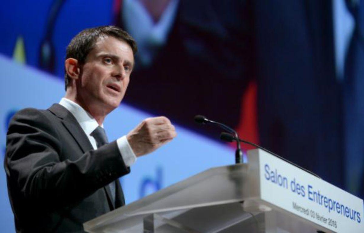 Le Premier ministre français Manuel Valls fait un discours au salon des entrepreneurs à paris, le 3 février 2016 – ERIC PIERMONT AFP