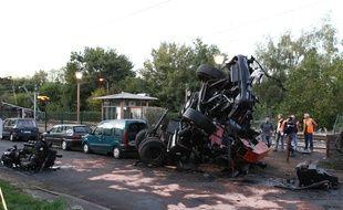 La collision entre un TER et un poids lourd avait fait trois morts en octobre 2011 à Saint-Médard-sur-Ille, au nord de Rennes.